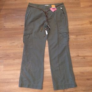 984be417 Old Navy Cargo Pants Bootcut w/Beaded Belt